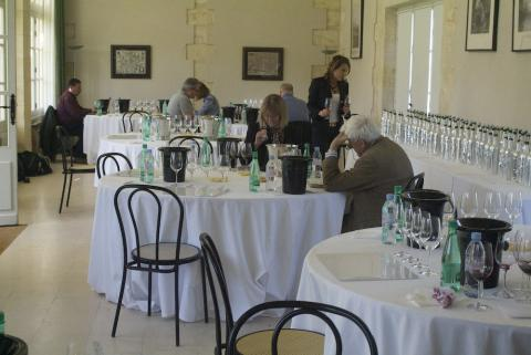 The Union des Grands Crus Tasting at Château Cantemerle: Stephen Brook, Jancis Robinson, Jane MacQuitty