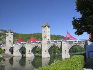 Sur le Pont Valentré, On y déguste, On y déguste...